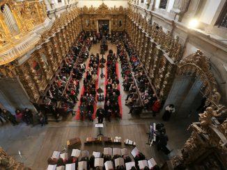 Cadeiral do Mosteiro de Arouca encheu para Concerto de Reis