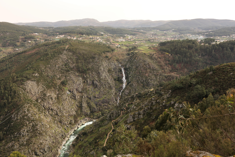 Elaboração do Projeto da Ponte suspensa da Cascata das Aguieiras custa 25 mil euros