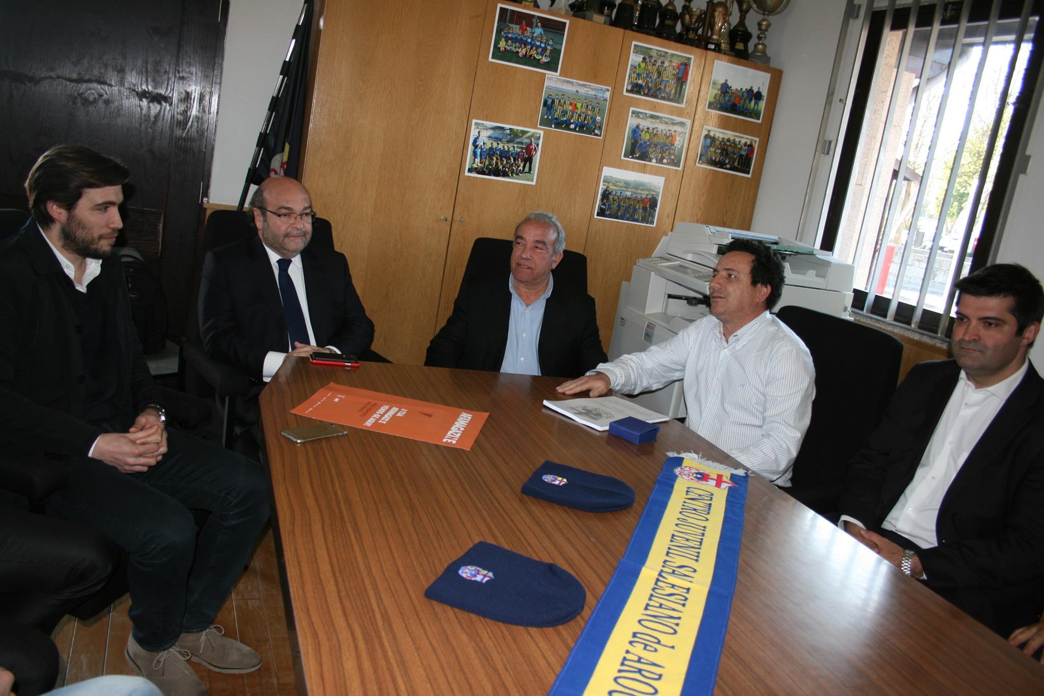 Hermínio Loureiro visita Centro Juvenil Salesiano de Arouca pela mão do PSD