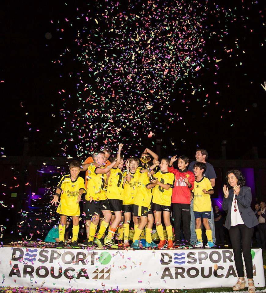 Torneio Futebol: Fermedo A (sub-9) e Santa Eulália (sub-11 e sub-13) sagraram-se campeões