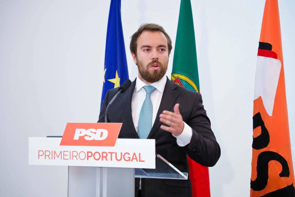 Tiago Fontes Mendes e José Paulo Miller com intervenções no Conselho Nacional do PSD e da JSD