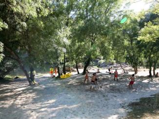 """Distinguida com a """"Qualidade Ouro 2018"""" pela Quercus a praia do Areinho está interdita para fins balneares"""