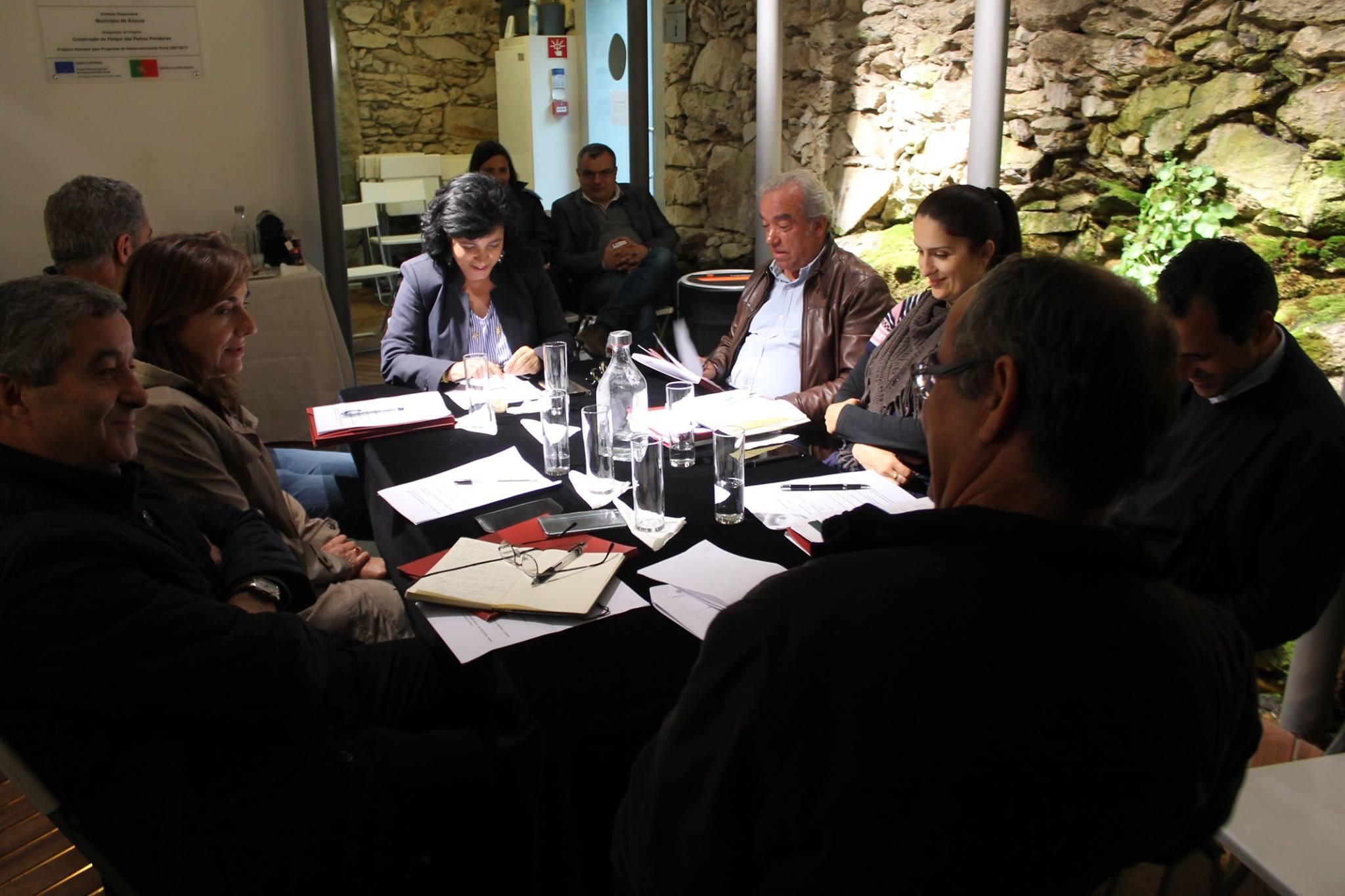Câmara reuniu em Albergaria e discutiu obras na Serra