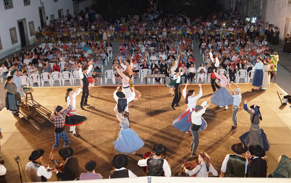 Cultura popular portuguesa e interculturalidade continuam a marcar o XXXVI Festival Internacional de Folclore
