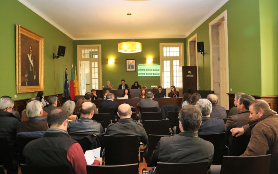 Assembleia Municipal e a descentralização de competências para o município: sim a 4 não a 3.