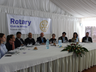 Rotary Club de Arouca homenageou o Prof. Carlos Esteves