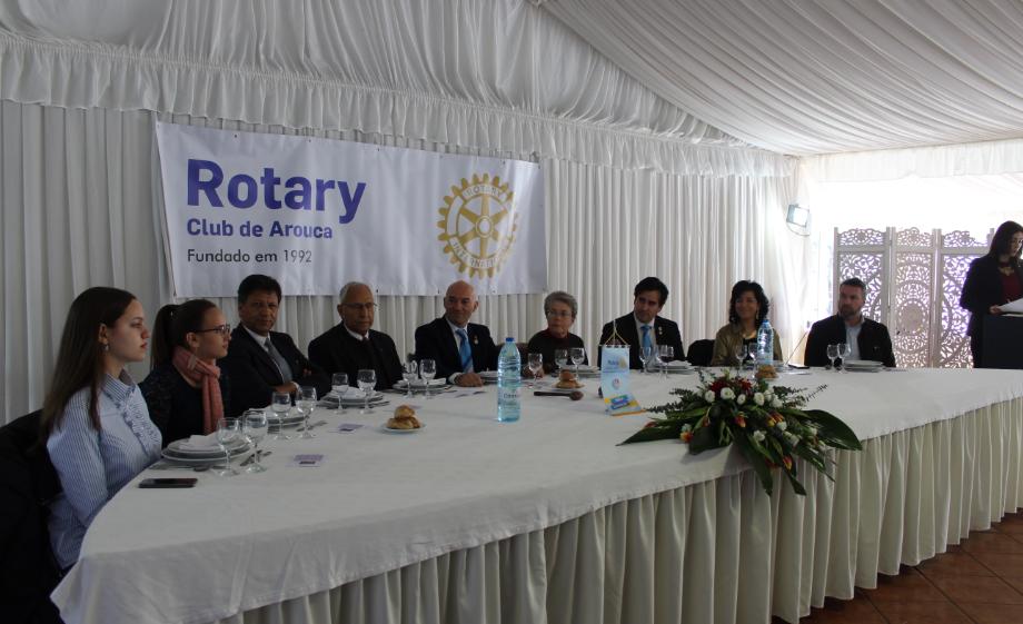 Rotary Club de Arouca homenageou o Prof. Carlos Esteves