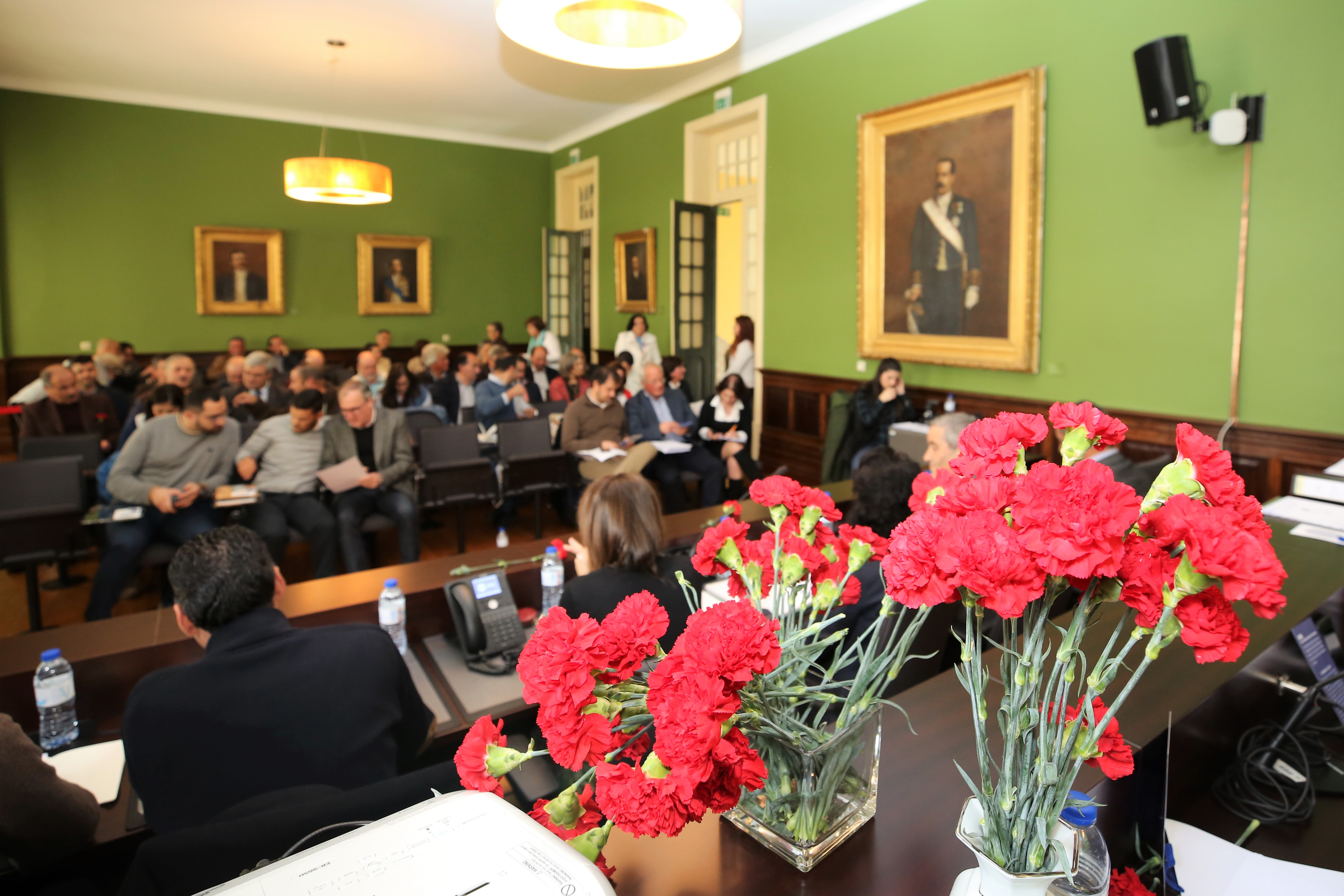 Assembleia Municipal de Arouca aprova contas de 2018. Presidente da Câmara anuncia novo concurso para a ligação Escariz-A32.