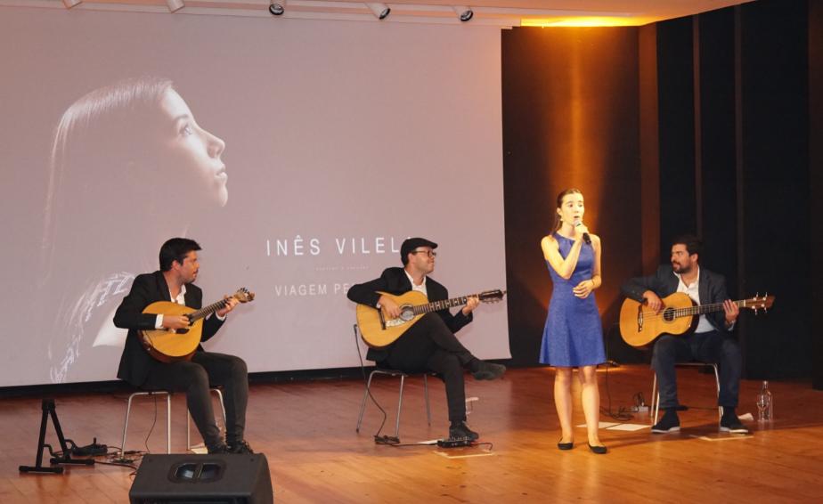 Inês Vilela apresentou primeiro álbum 'Viagem pelo Fado'