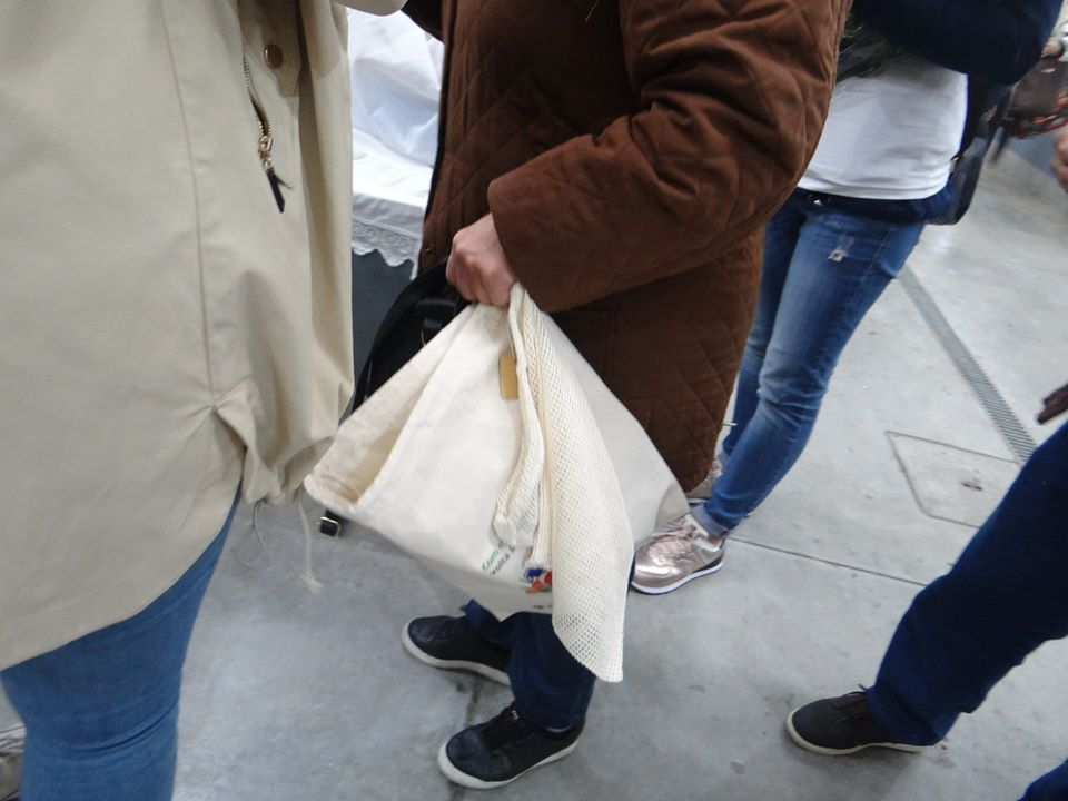 Vale de Cambra distribui mais de mil sacos de pano para eliminar o plástico