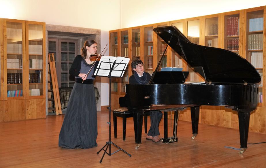 Recital de violino e piano abrilhanta 4º aniversário do Círculo Cultura e Democracia