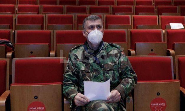 """Covid-19: Coordenador da """"task force"""" defende adiamento da toma da segunda dose da vacina"""