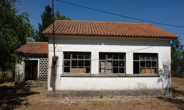AROUCA: As escolas de Merujal, Bustelo e Silveiras passam para empreendimentos turísticos na tipologia de Casa de Campo