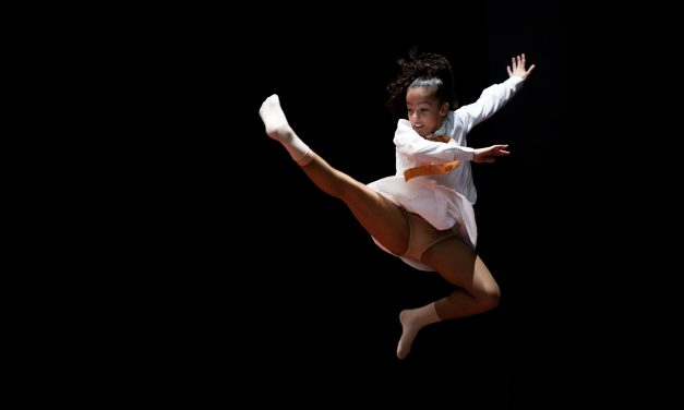 ASSOCIATIVISMO I Primeiro Estágio de Dança Online Dois Singular