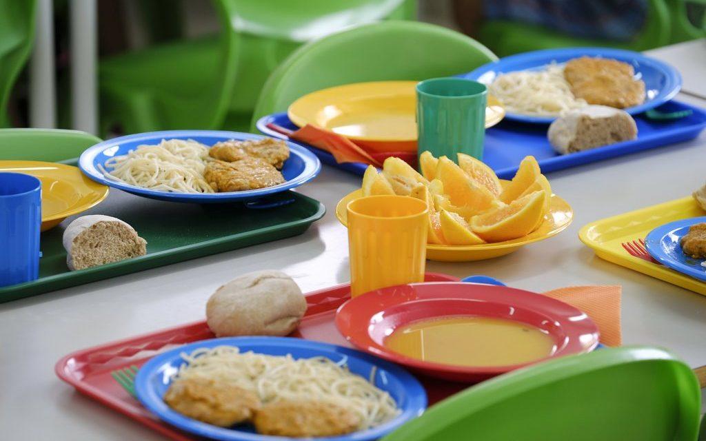 Município de Castelo de Paiva apoia alunos com refeições, computadores e acesso à internet
