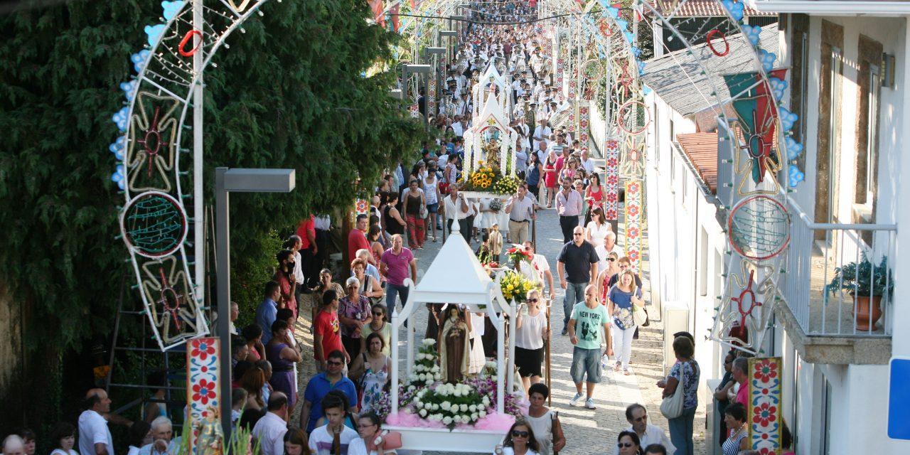 Covid-19: festas e romarias voltam a estar em causa