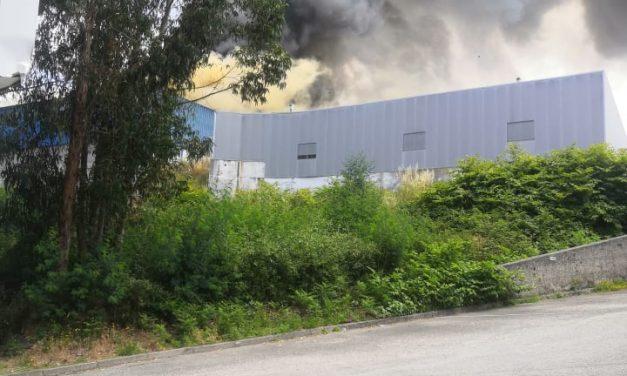 Incêndio na Fábrica de EmbalAgens de Madeira Camarc