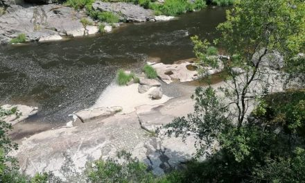 Poluição no Rio Paiva junto aos Passadiços do Paiva