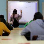 Publicação das listas de docentes a mais de um mês do arranque do ano letivo